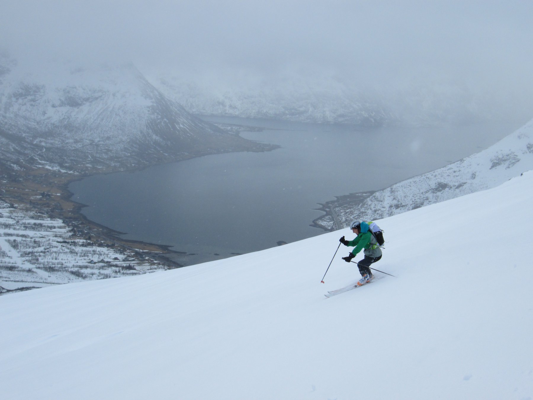 Discesa verso l'Austnesfjorden