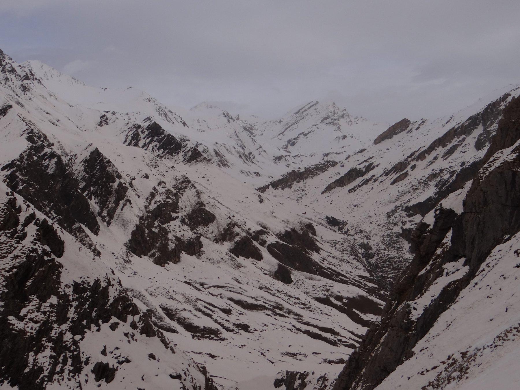 Panoramica scattata durante la salita in direzione del Monte Mongioia e del Monte Salza