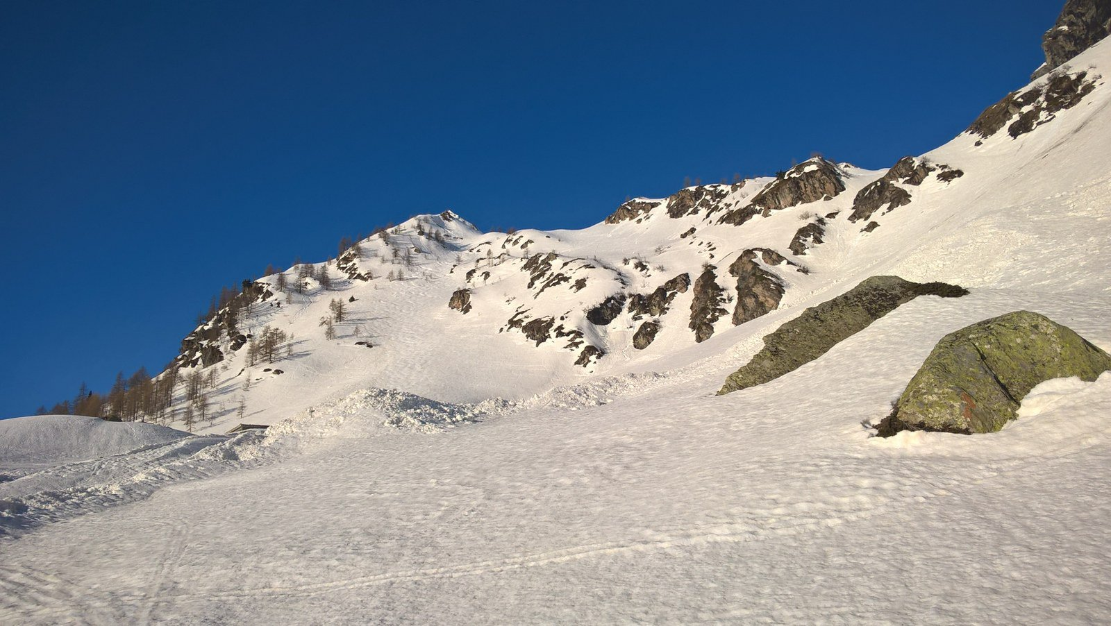 Il ripido canale dopo gli alpeggi