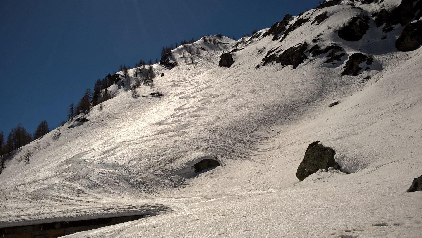 Anche il canale con bella neve
