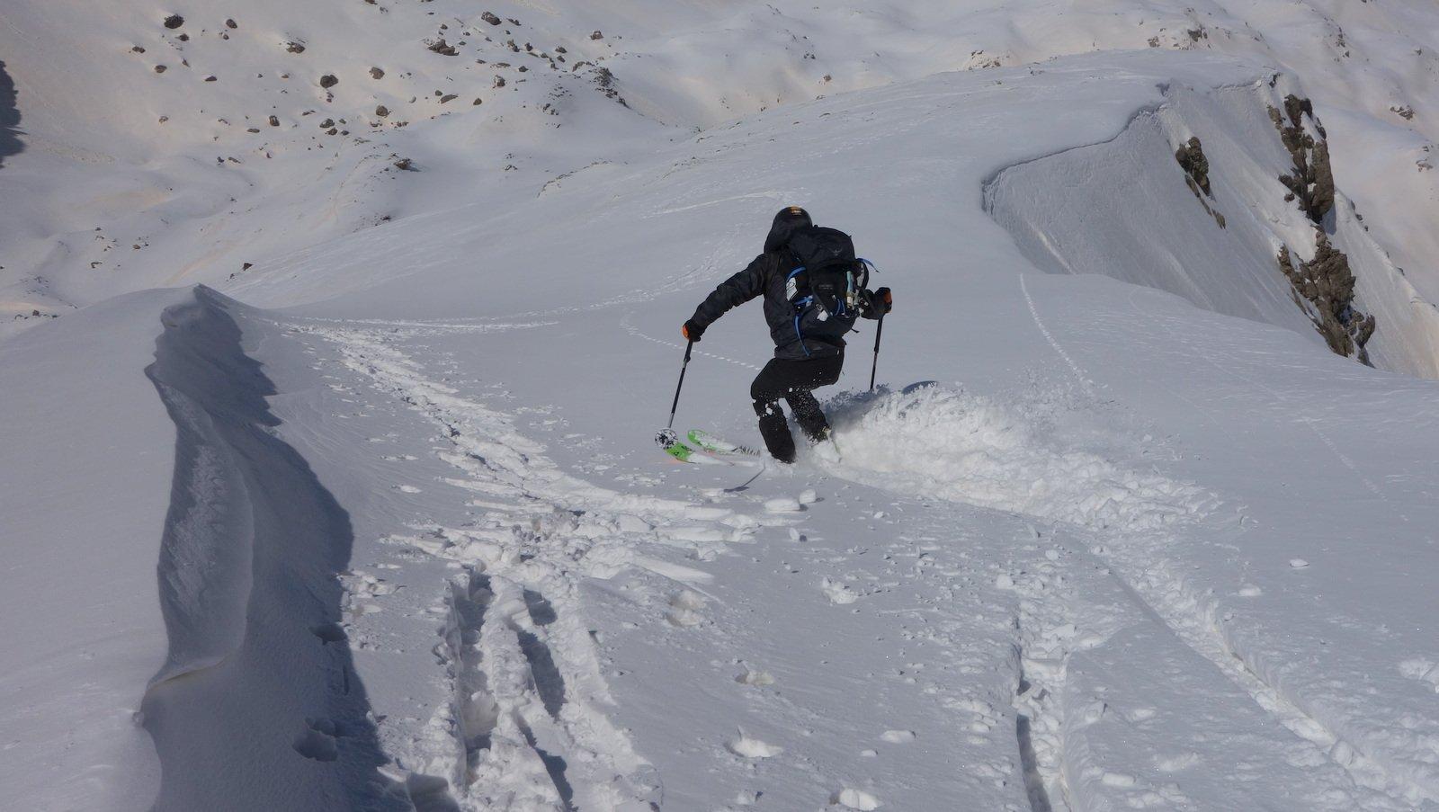 Dalla vetta con sci