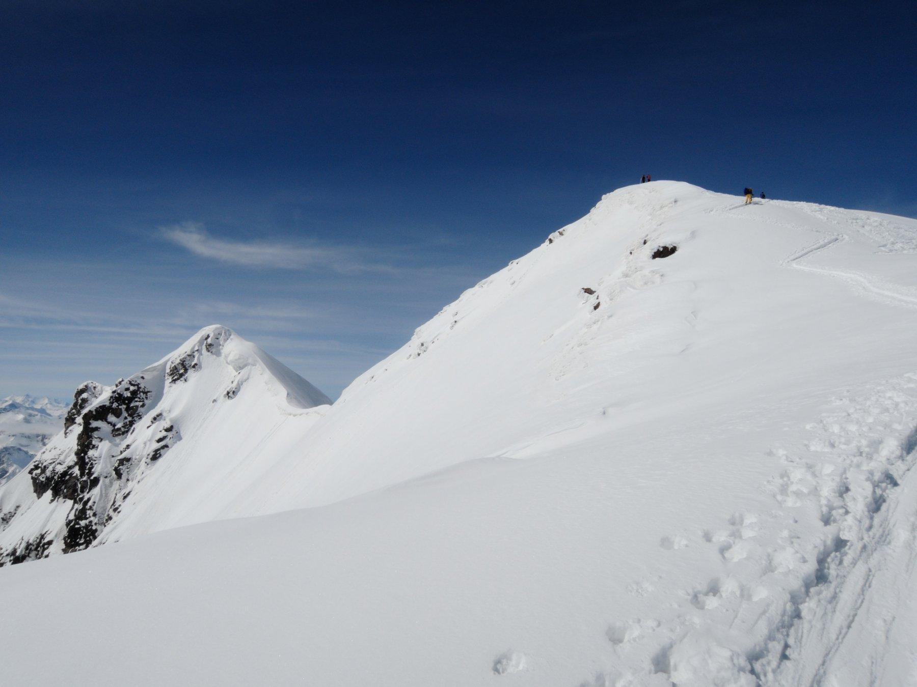 La cima con gli ultimi metri percorsi in cresta