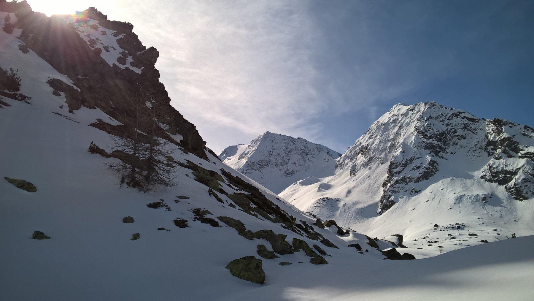 semplice traverso per raggiungere il vallone dell'Epée. Sullo sfondo la vista della meta!