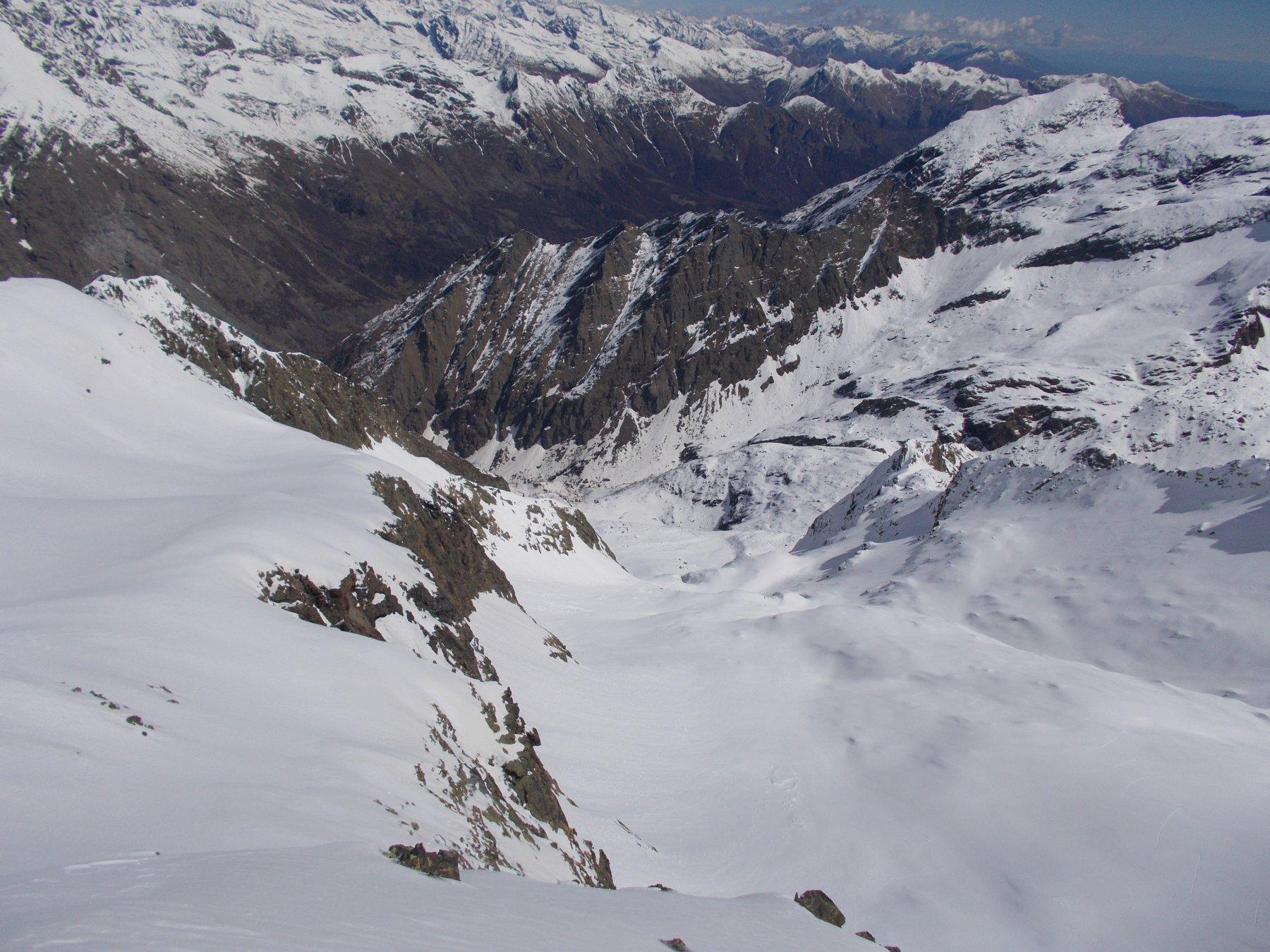 il vallone degli Ortetti visto dalla cima..