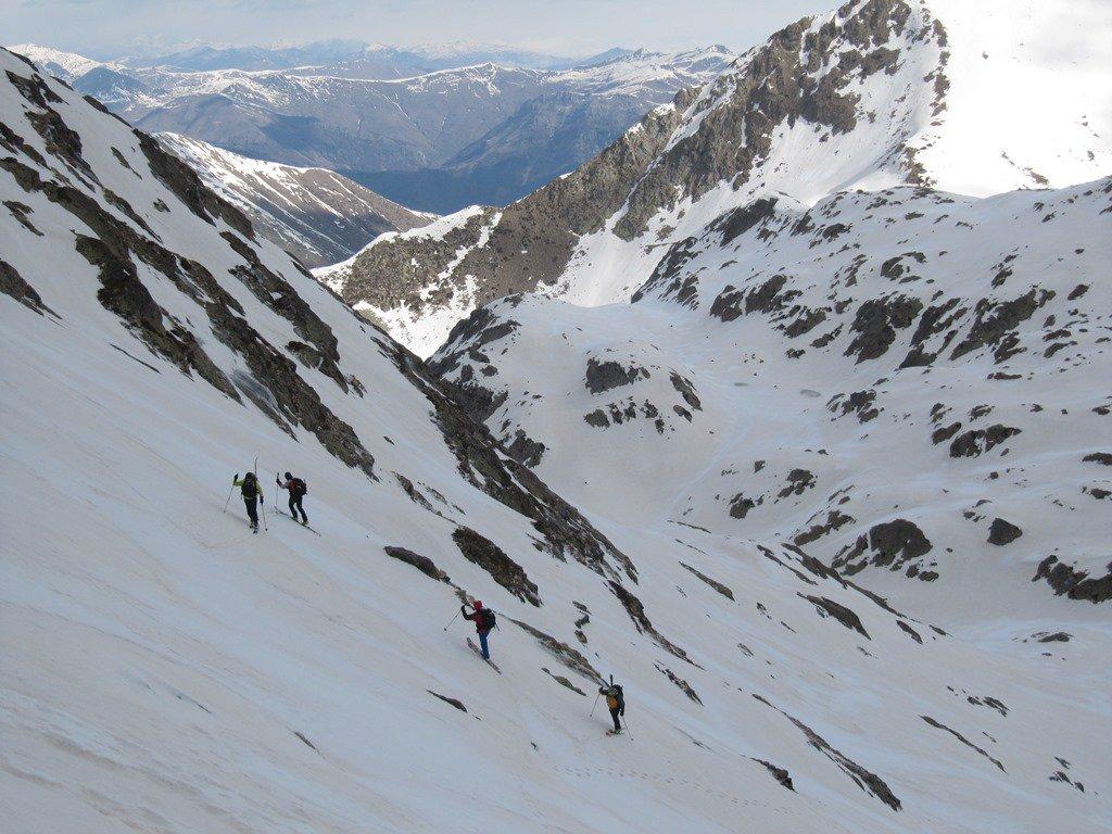 i ripidi pendii tra 2400 m e 2750 m