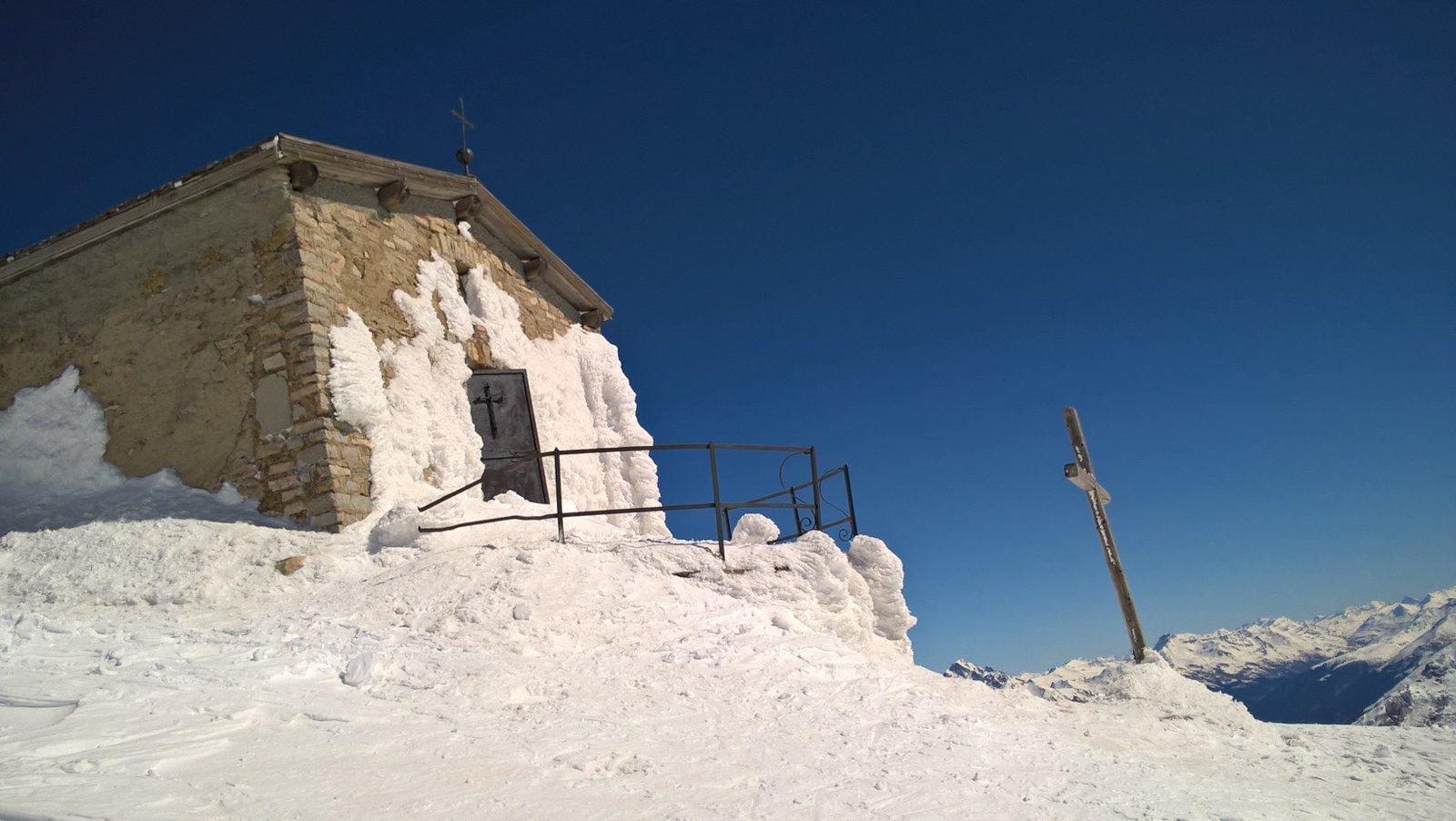 La chiesetta prima della cima