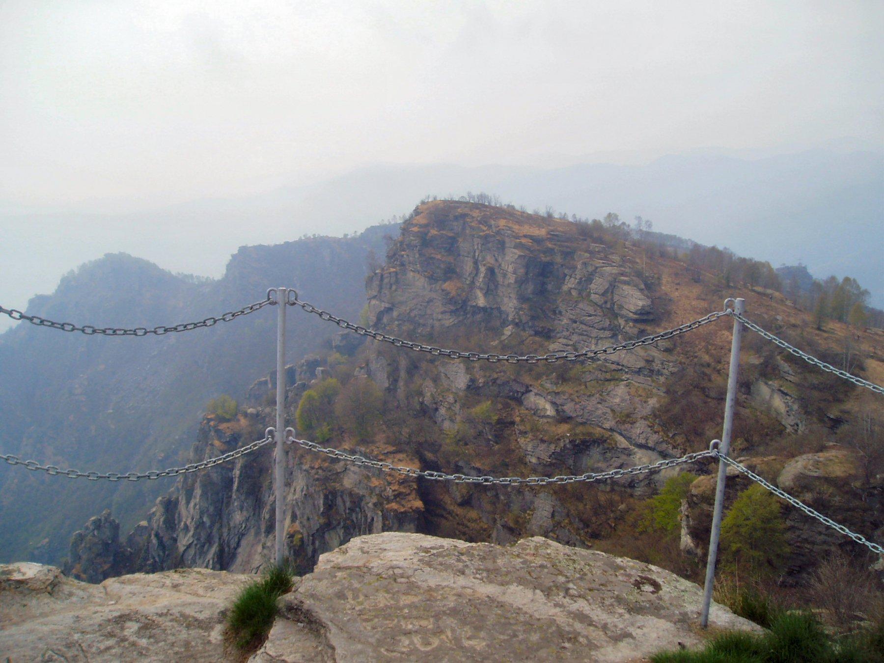 Dalla vetta del Bracco il costone dove c'è il Mulatero.