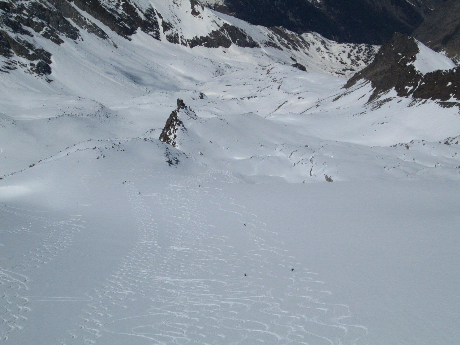 veduta verso la Valsavaranche...la neve non sembra malaccio!!!