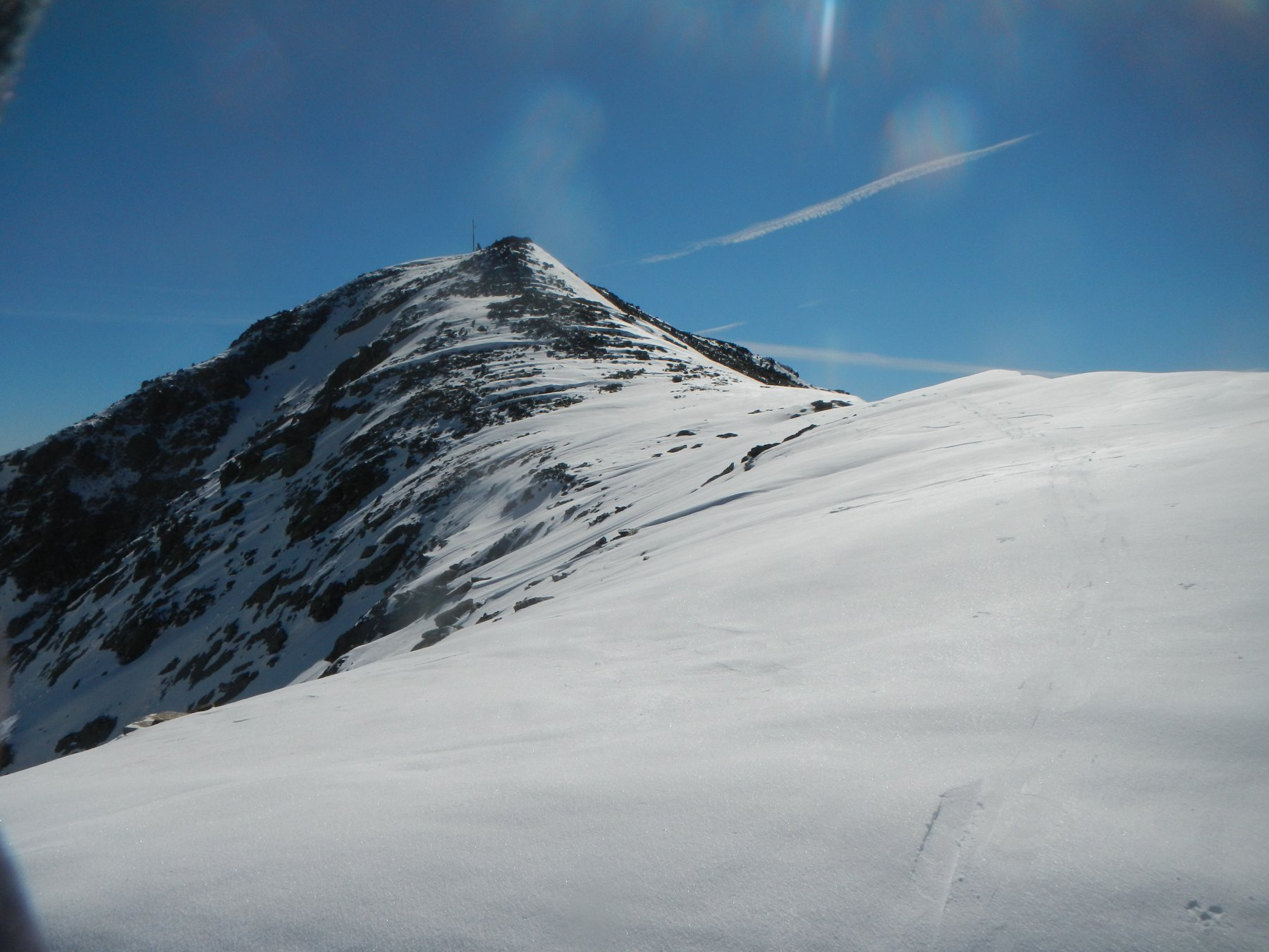Verso la cima lungo la cresta