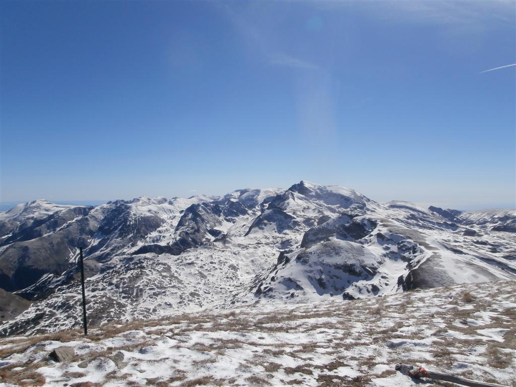 più neve verso il gruppo del Marguareis
