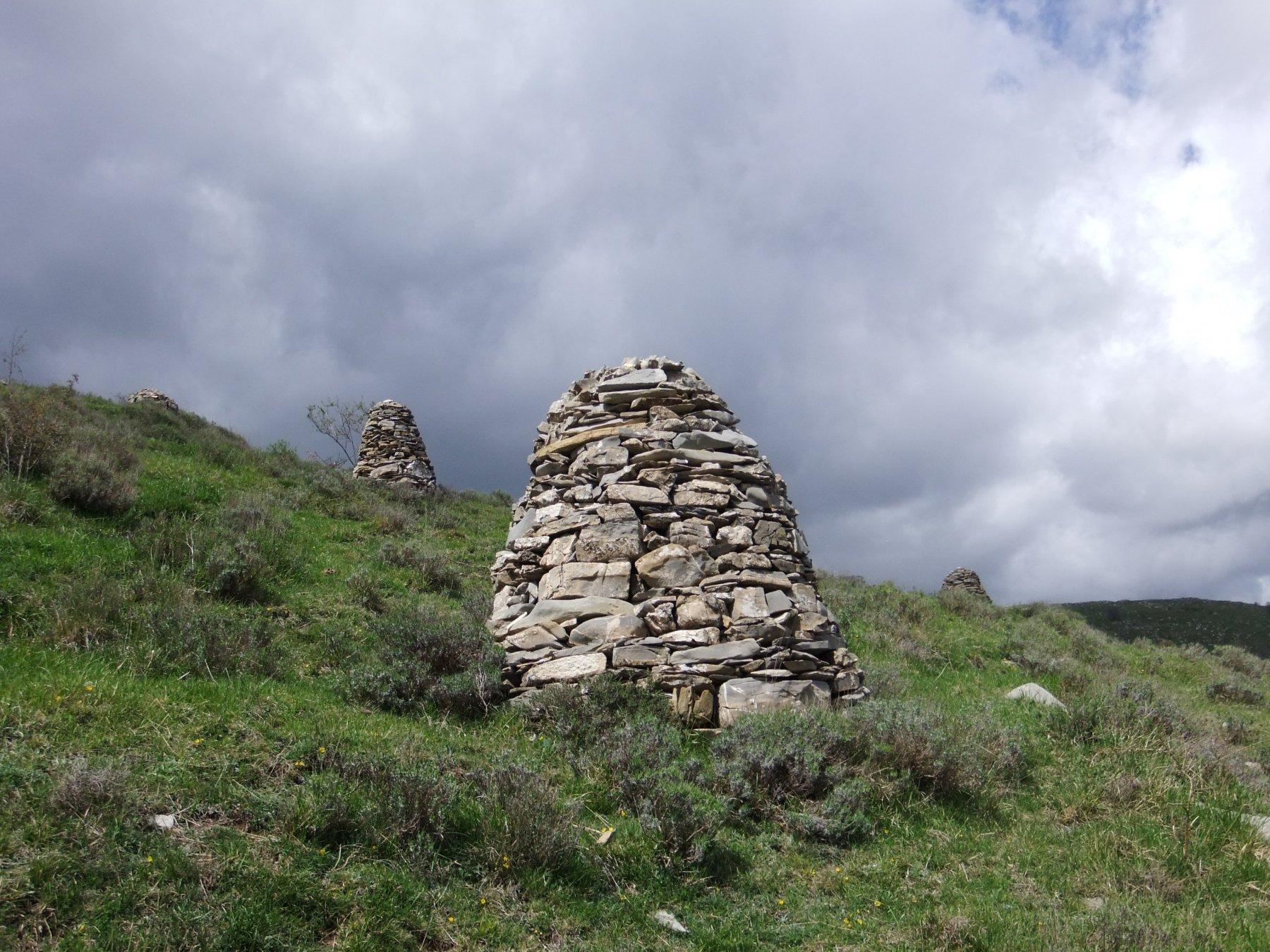 I numerosi piloni di pietre