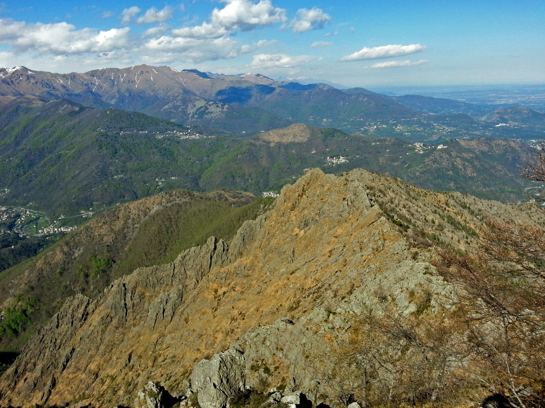 Tratto finale della cresta delle Lunelle, cima delle Lunelle e cresta di collegamento con l'Uja di Calcante