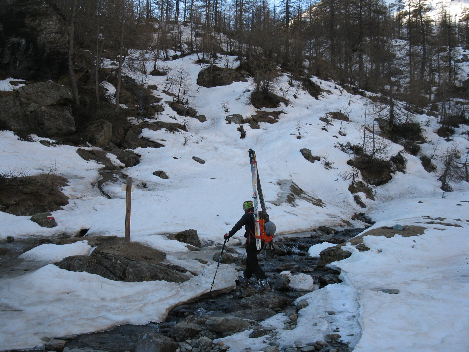 Inizio della neve al fondo del pianoro