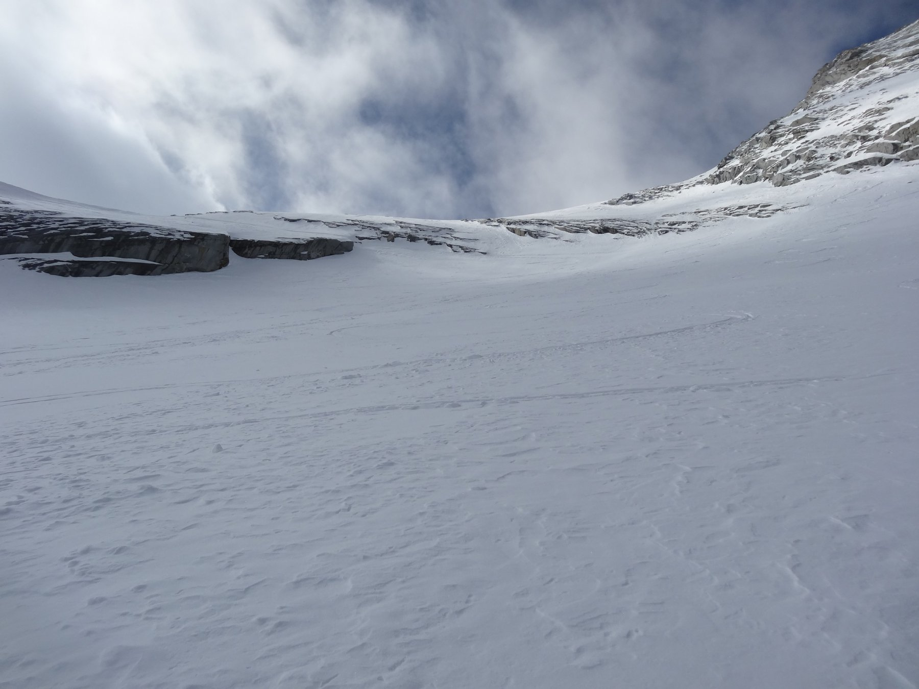 bella neve, scendendo dal primo canale