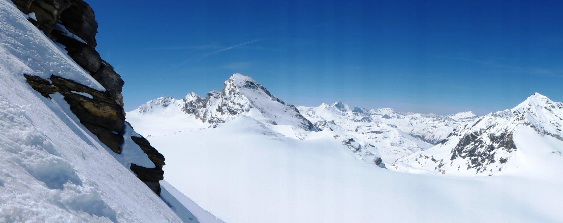 sguardo alla Tzanteleina e alle montagne della val d'Isère