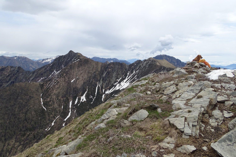 la cima con dietro la Punta della Rossola
