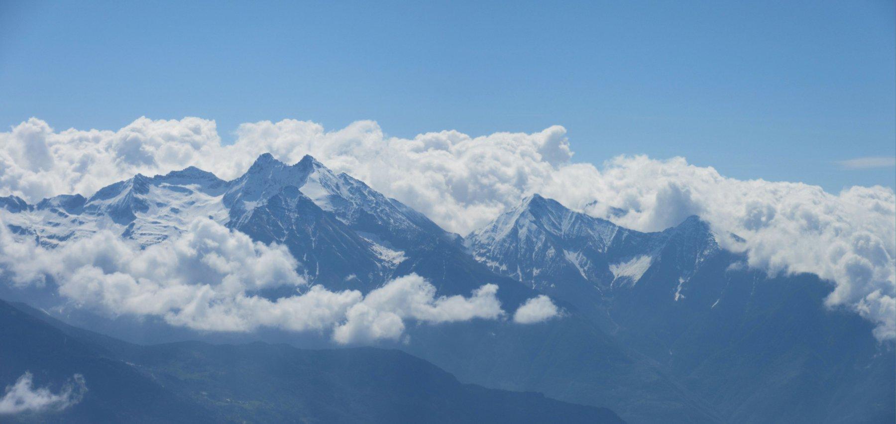 Panorama sulle vette della bassa valle