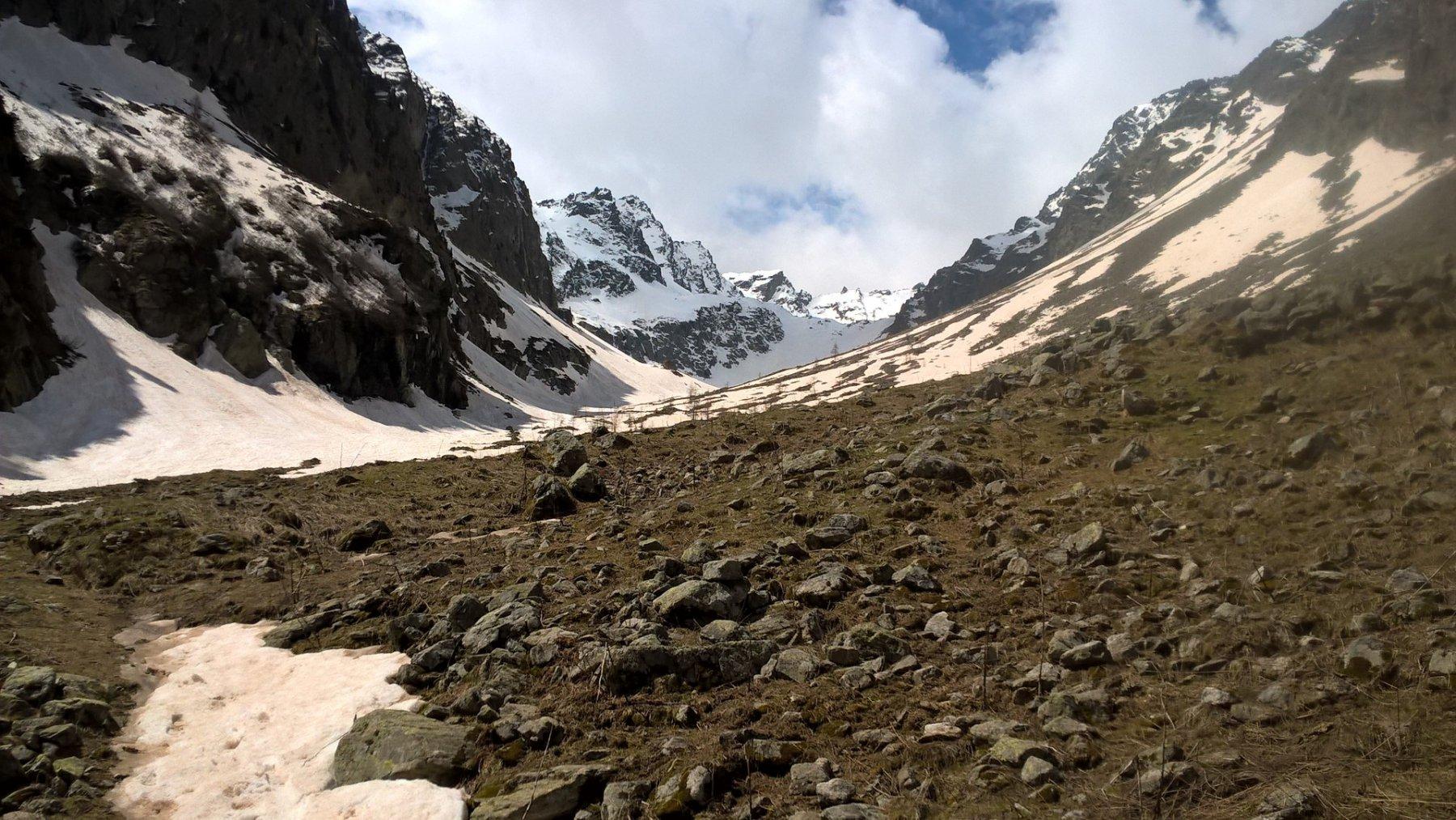 situazione neve nella parte alta del vallone oggi