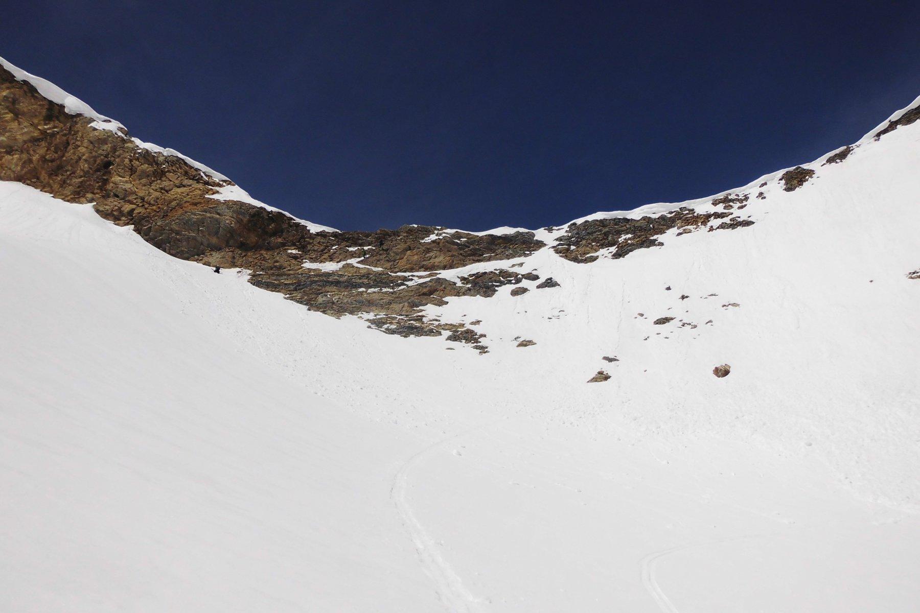 Colle di Tsantelèina, io sono sceso tutto a destra con gli sci ai piedi, gli altri sulle roccette sulle sinitra