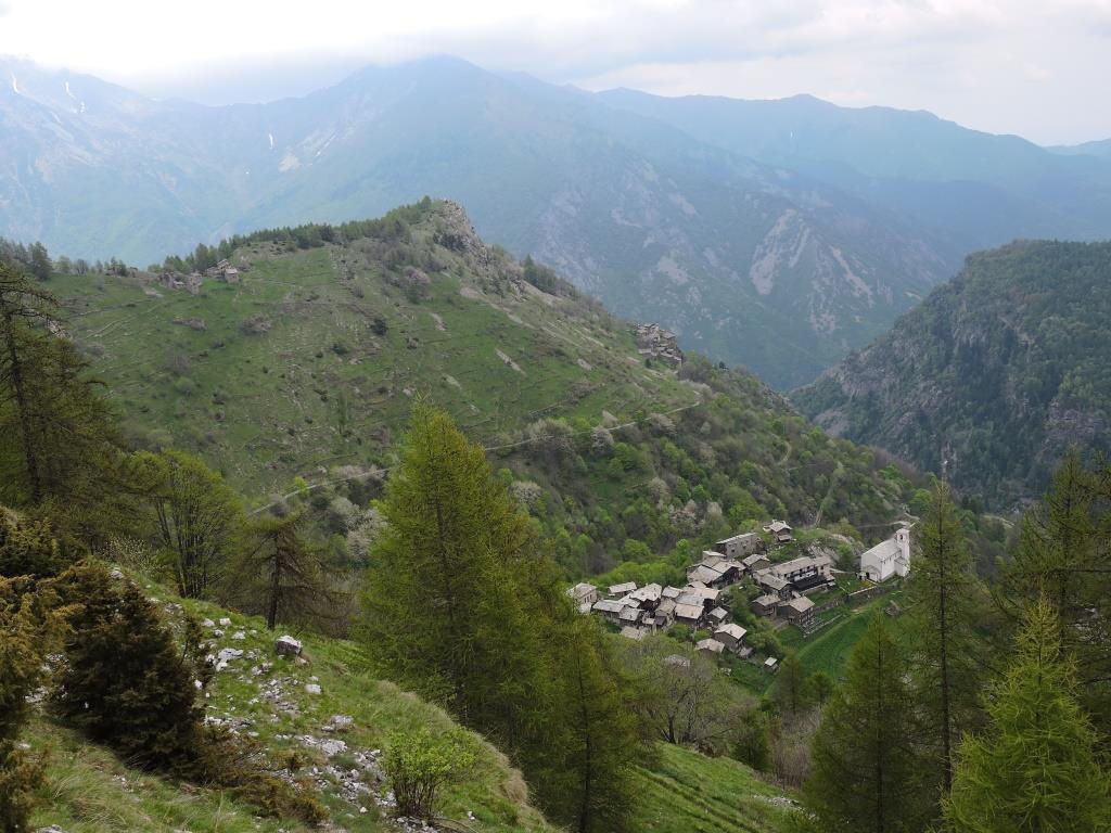 Chaisteran e l'Alpe Serre dal Colle