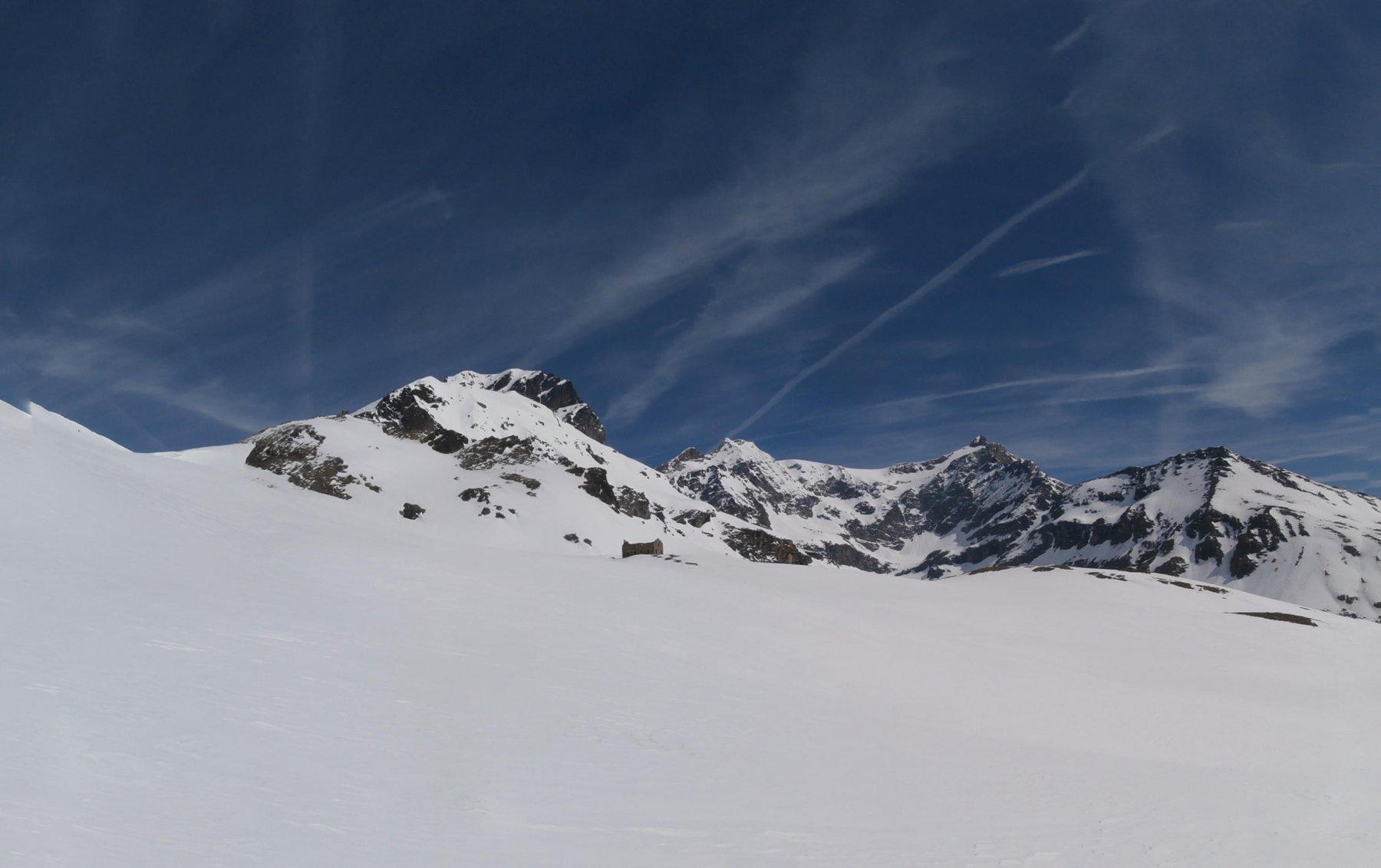 uno sguardo al Mont du Mont...sullo sfondo il Ruitor..