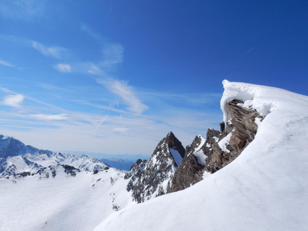 dal fianco della Rocca Rossa verso il Pic e la Sella D'Asti