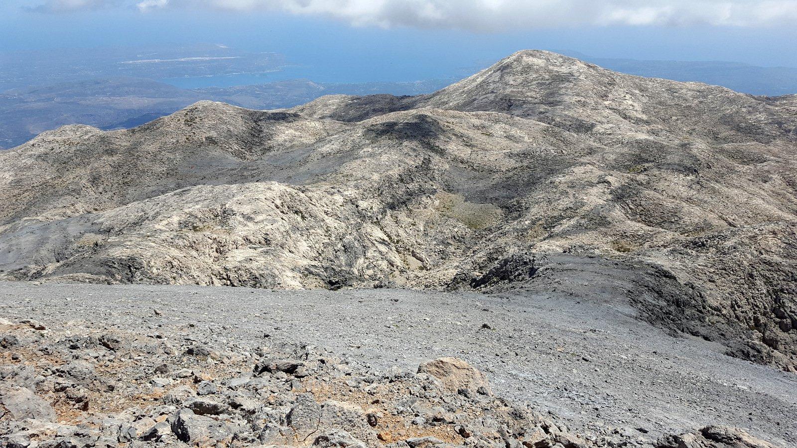 La rampa di salita alle cime settentrionali dell'Ornio.