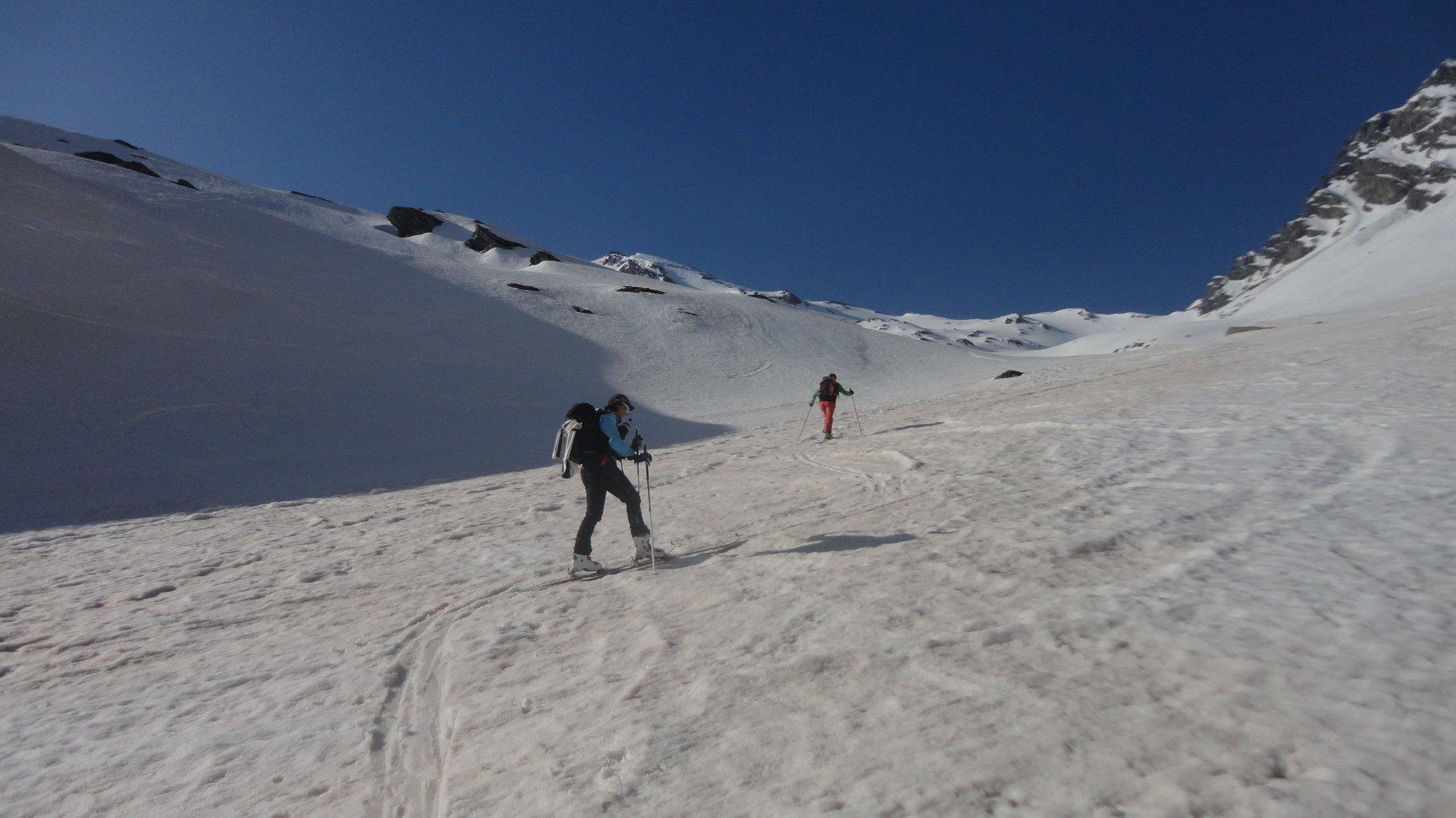 salendo si tocca la neve sahariana...