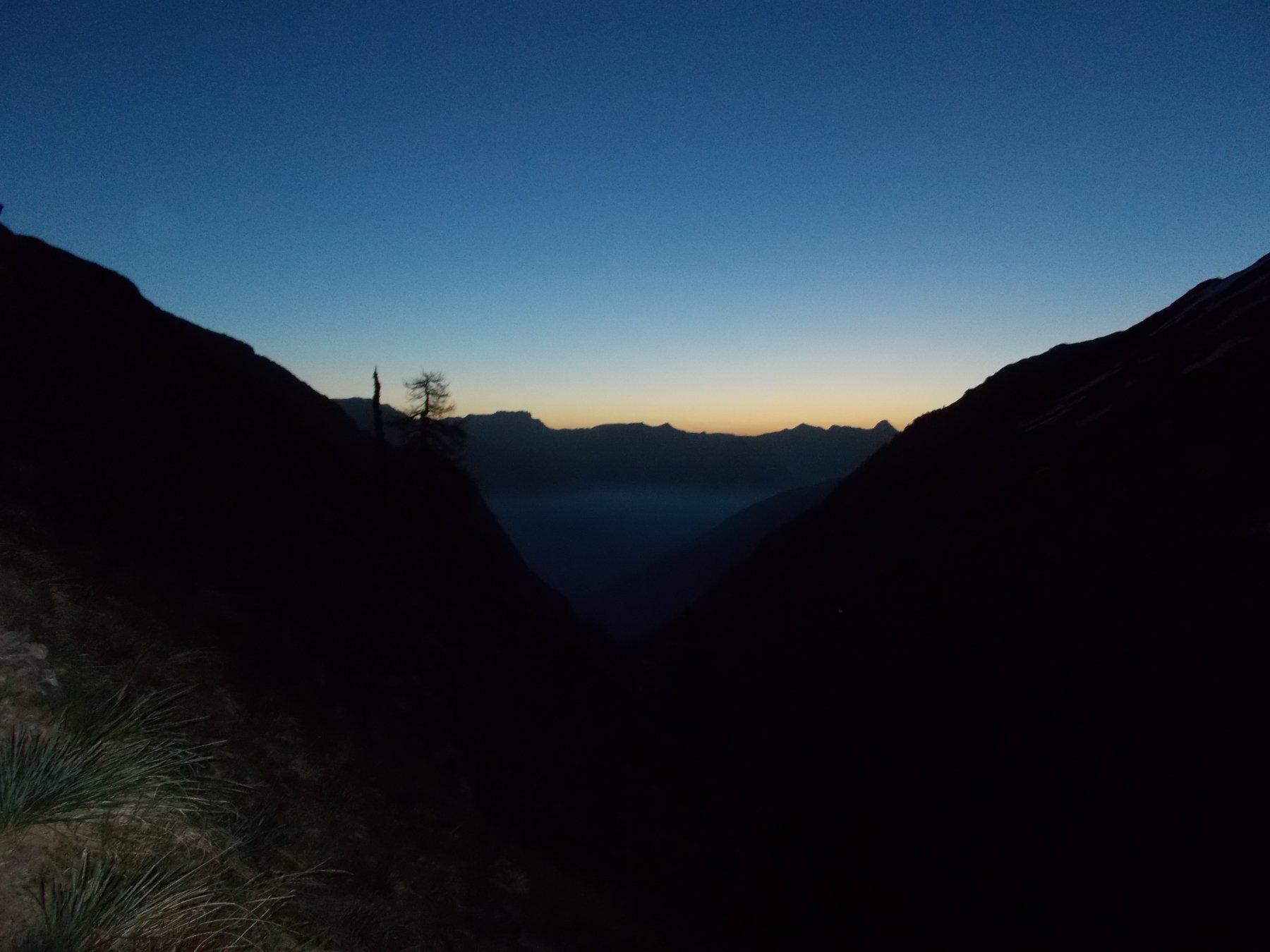 e' ancora notte nell'alto vallone del Piz..ma sta albeggiando..