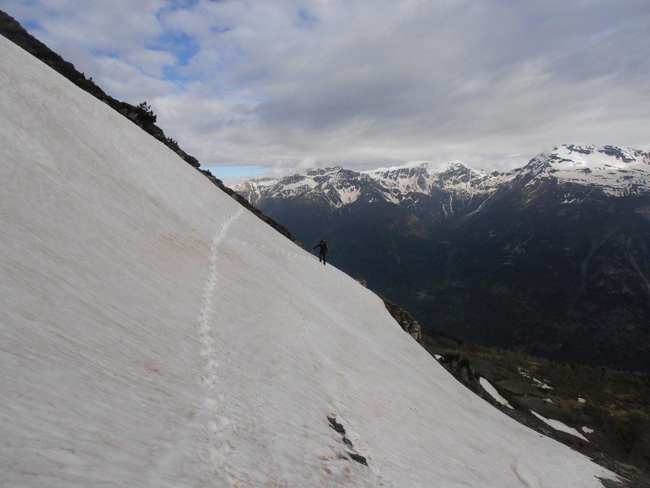 traverso iniziale lungo la strada... per chi vuole divertirsi un pò di più su neve