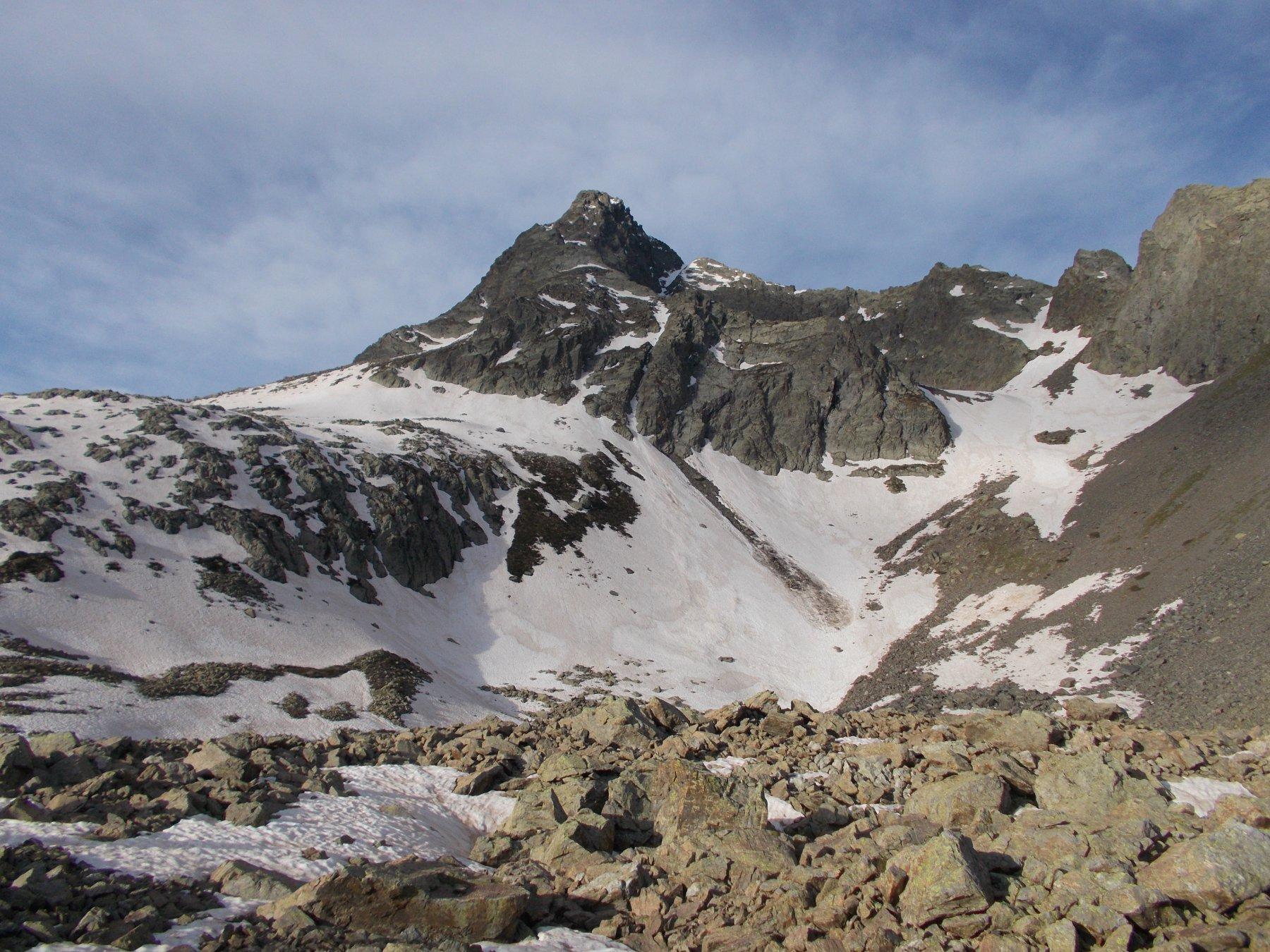 il Becco alto del Piz..dai pressi dell lago di Scolettas..durante la fase di avvicinamento..