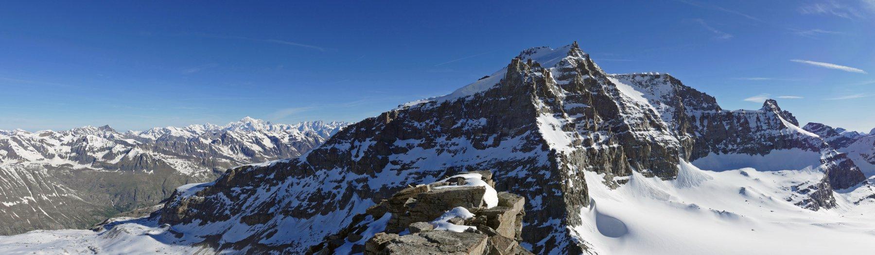 Panoramica dal Bianco al Gran Paradiso