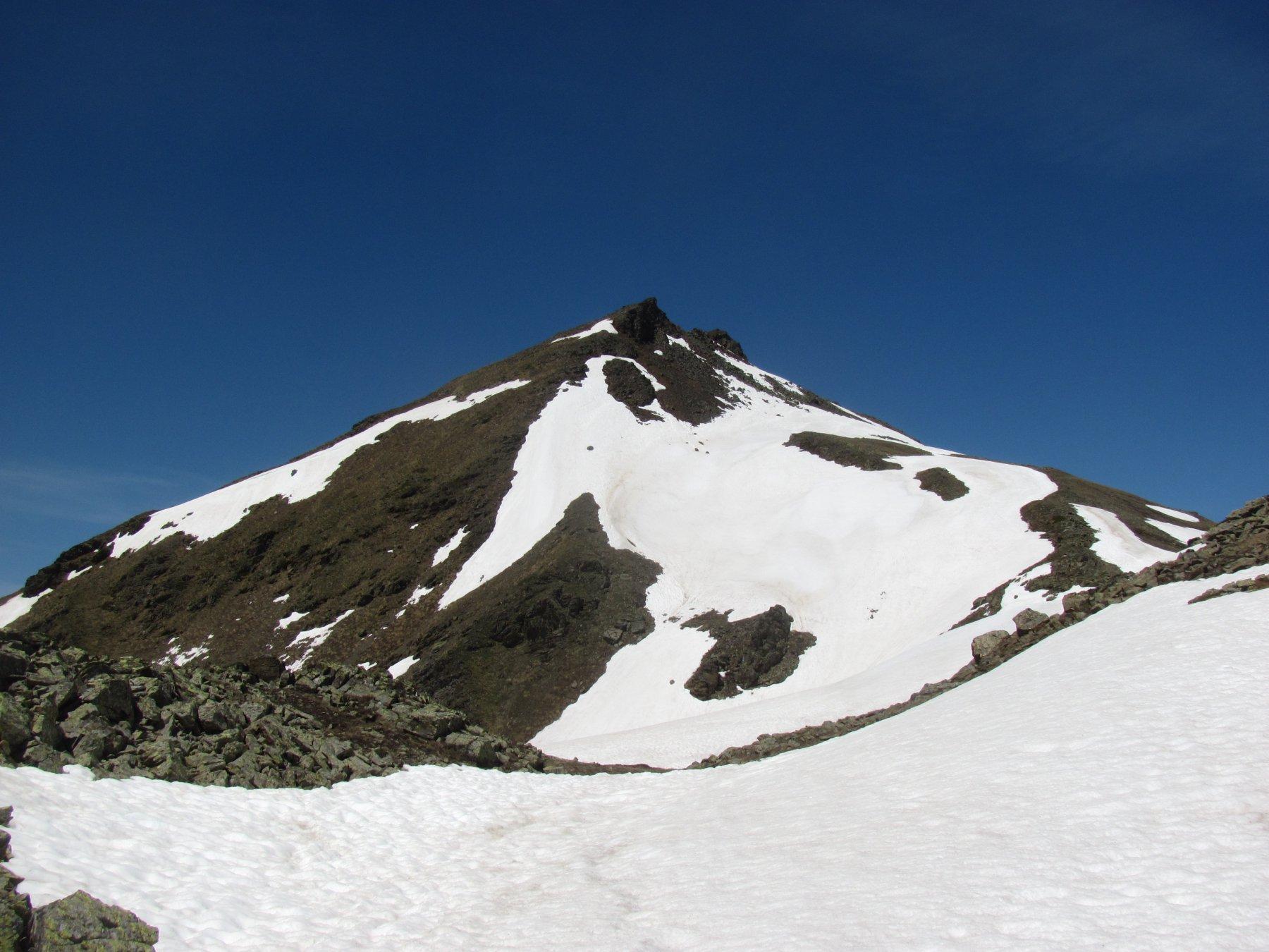 Il Mont de la Tsa, ancora quasi in veste invernale