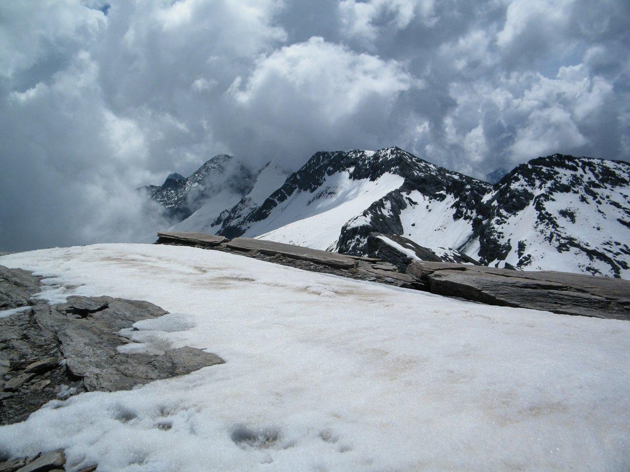 Il gruppo del Monte Servin dalla vetta