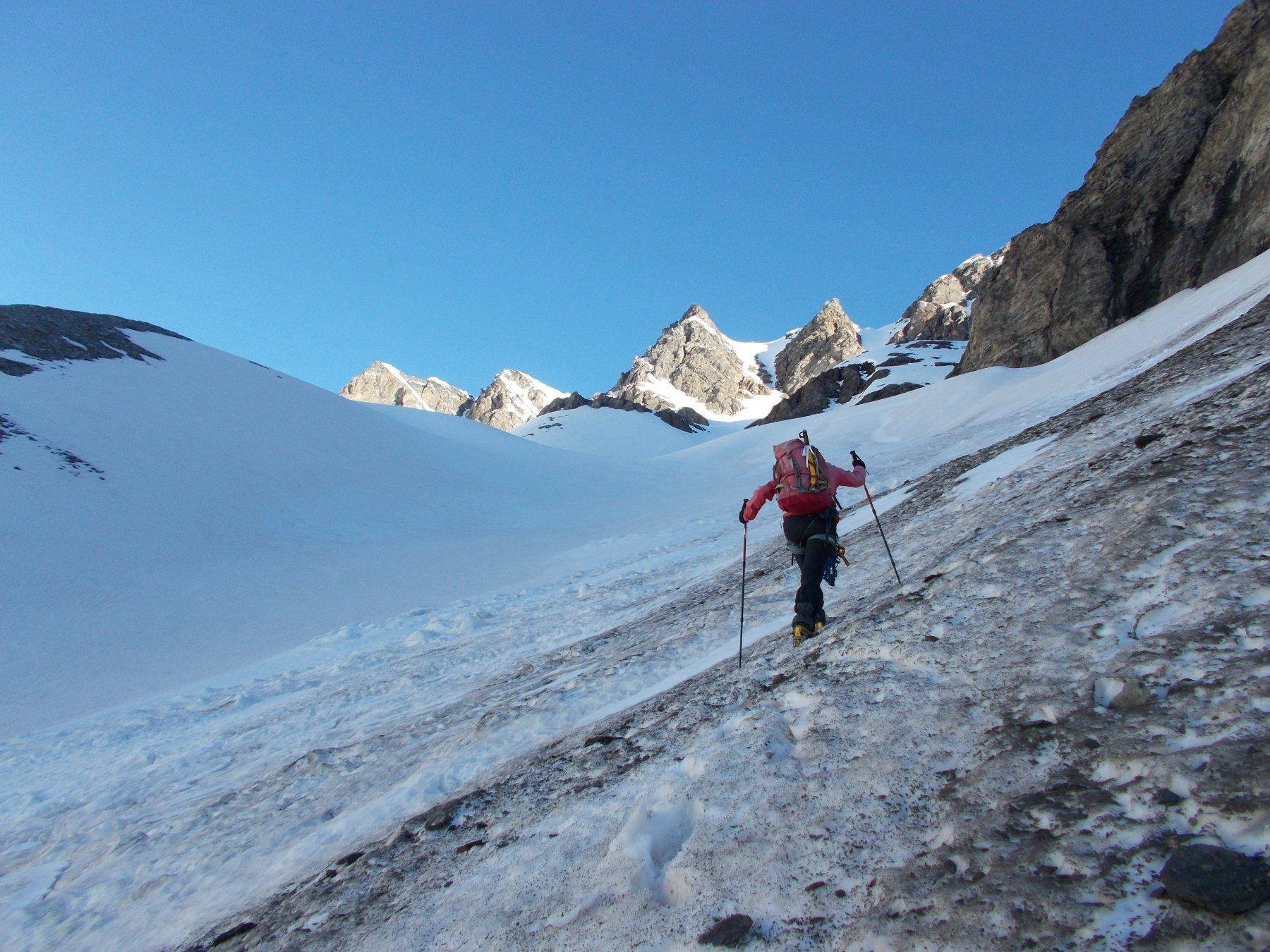 abbordando il ghiacciaio di Fos..