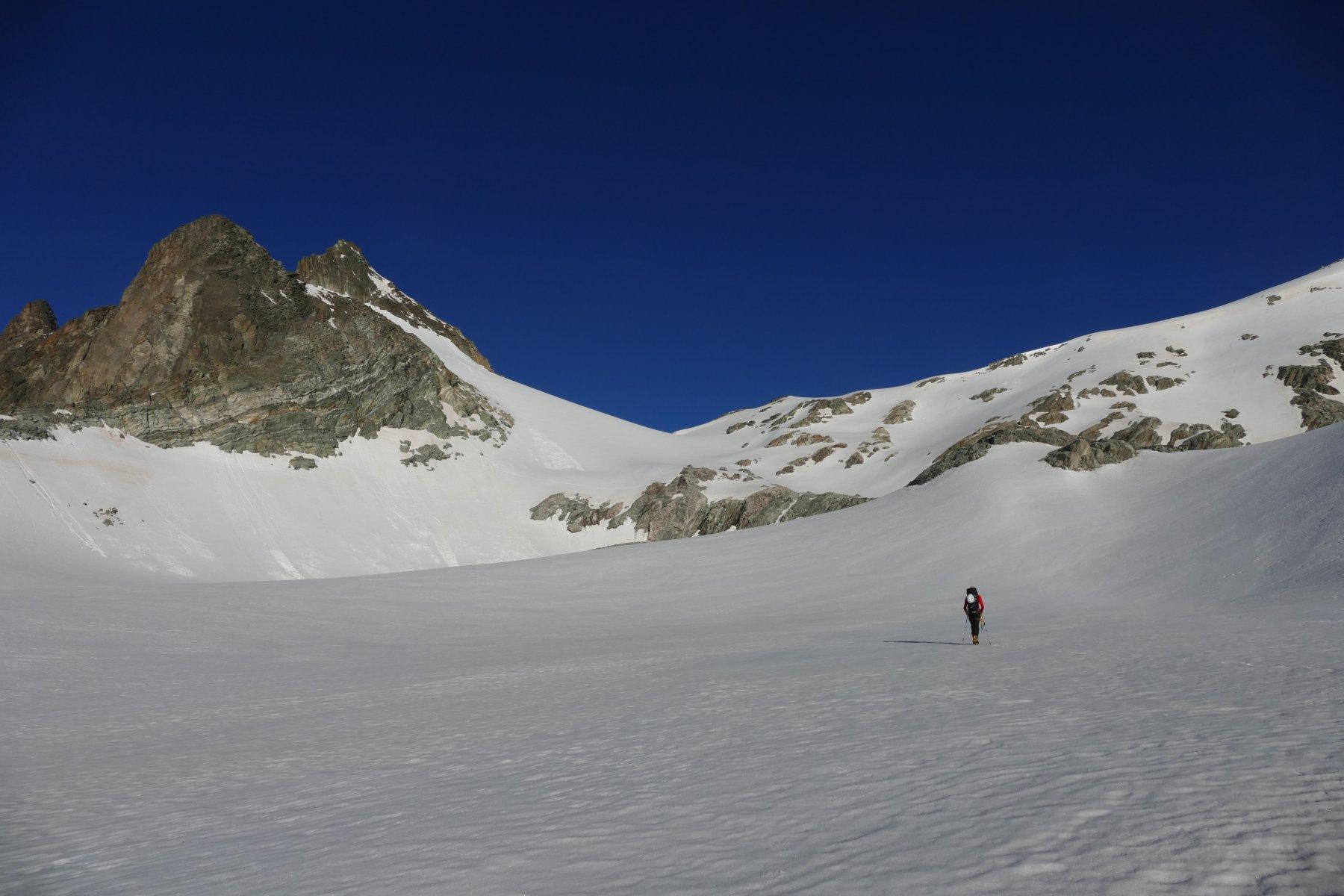 Ambiente di salita verso il colle del Mont Gelè