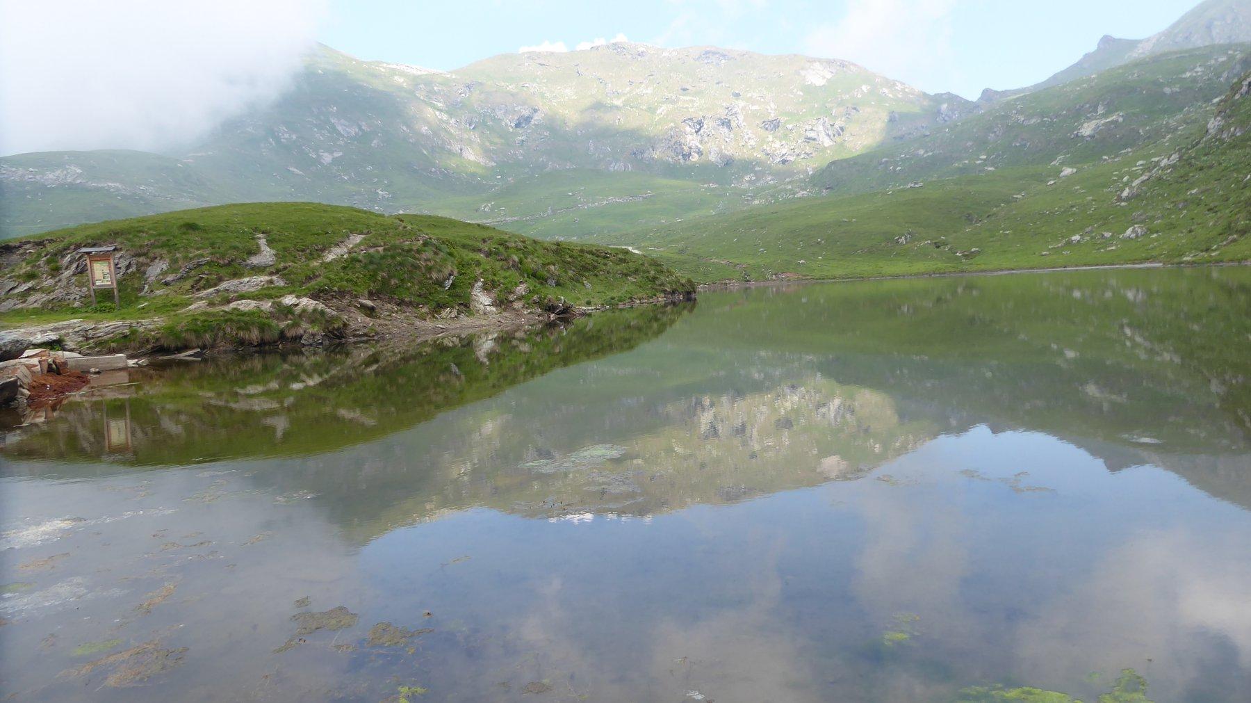 al lago di monastero