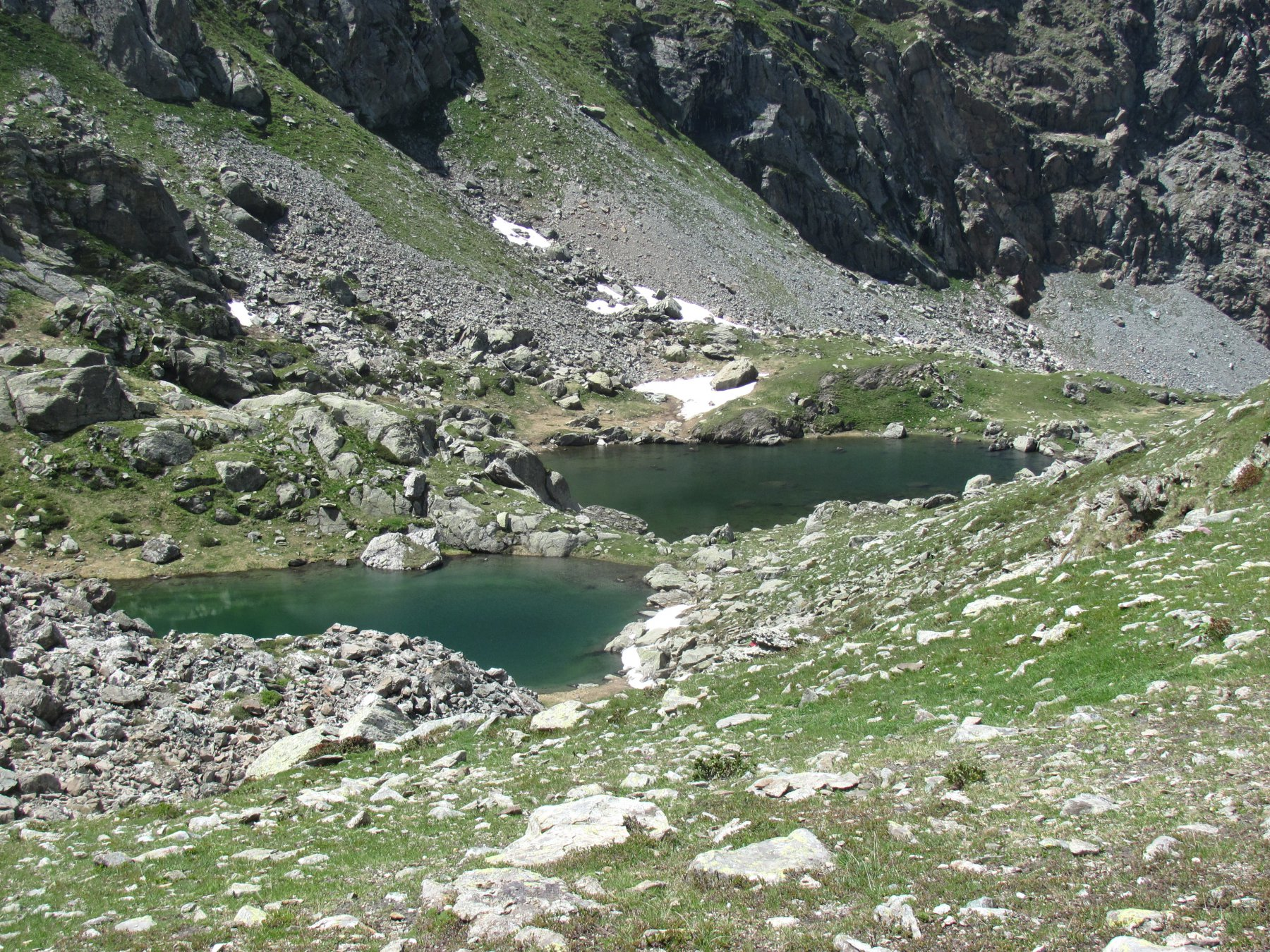 I due laghetti del Turlo, scendendo dal Colle Fenera