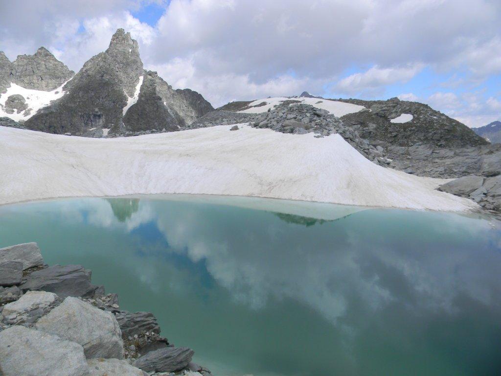 il Gran Cordonnier si specchia nel laghetto effimero