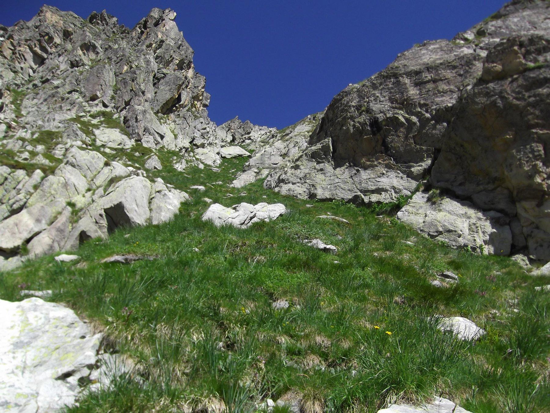 Il canalino che porta al Monte Frisson.