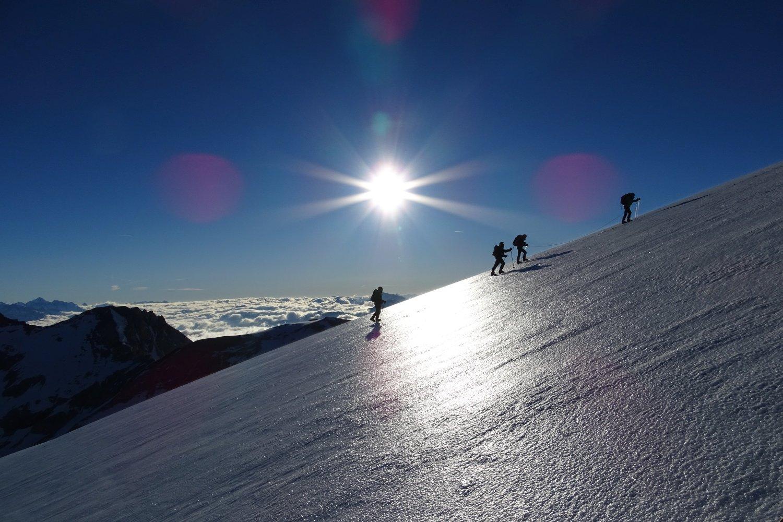 suggestivi giochi di luce sul ghiacciaio