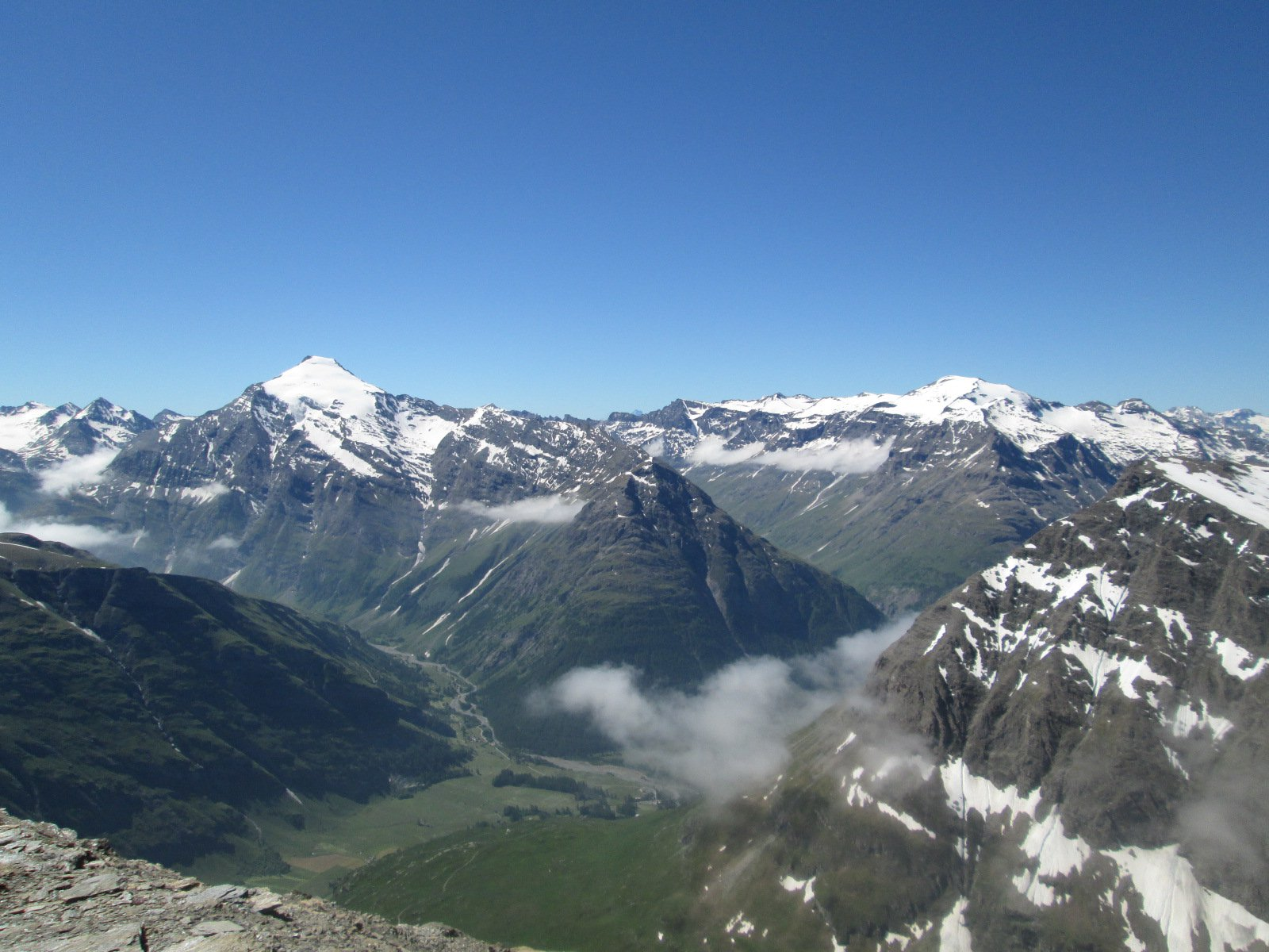 panorama dalla cima verso lo Charbonnel