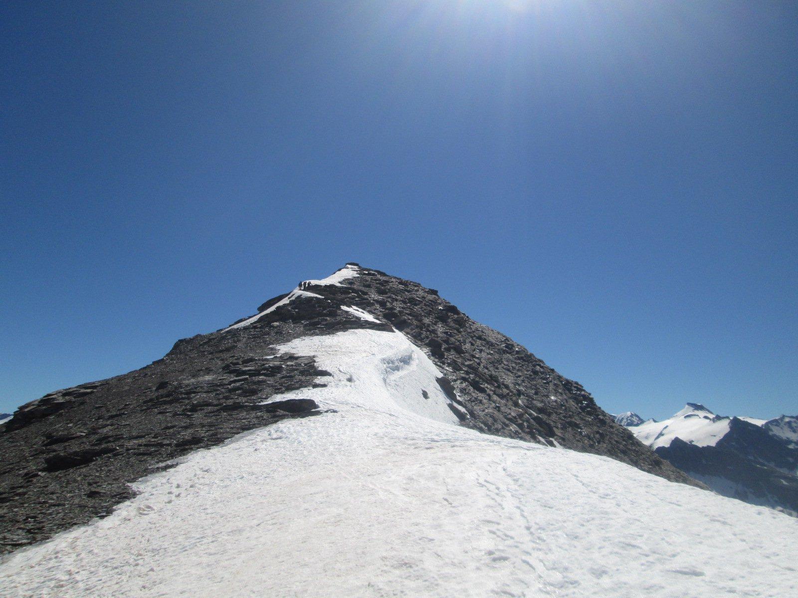 la cresta per raggiungere la cima