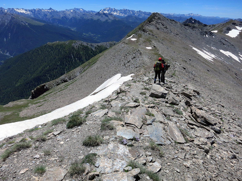 Franca ed Eugenio sulla cresta che porta al picco quotato 2840 m.