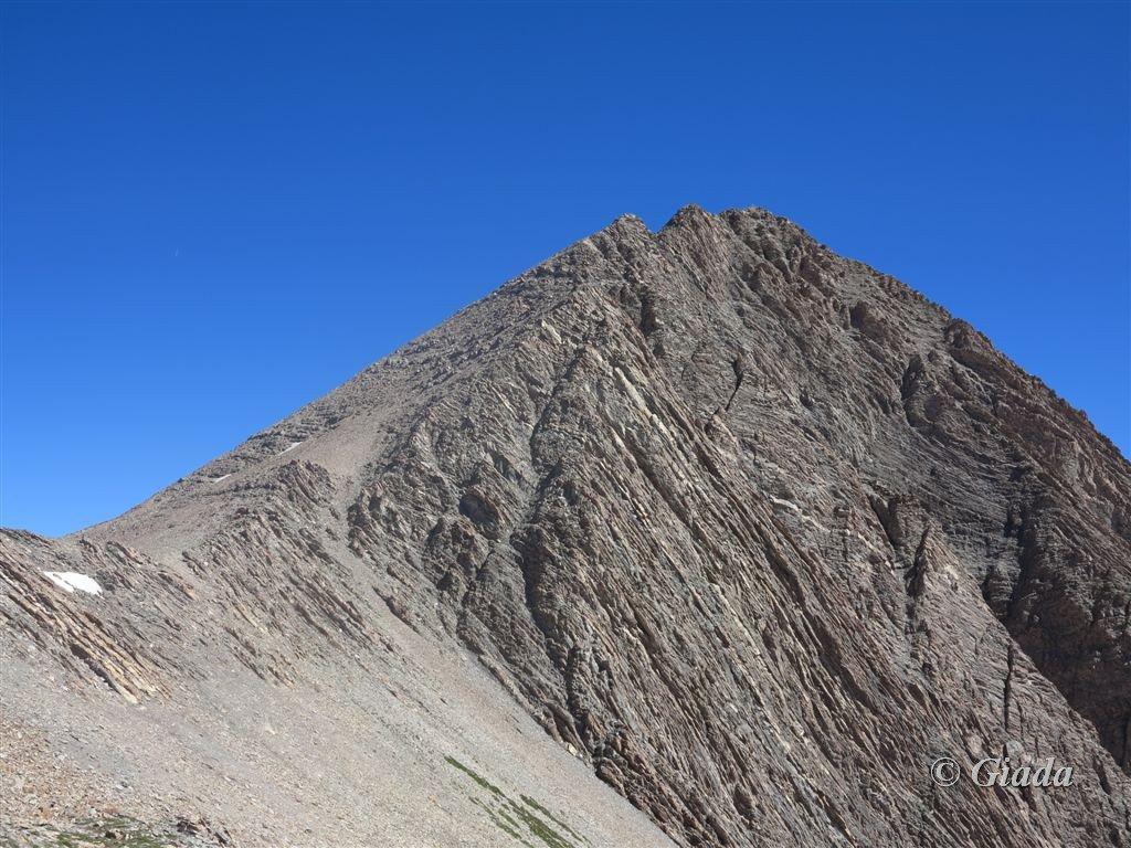 Quasi al passo e la cresta sud della Grand Berard