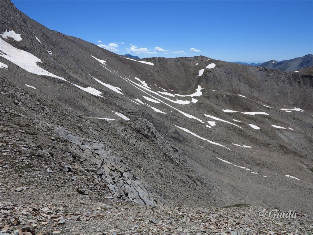Il pietroso vallone alto dove si scende