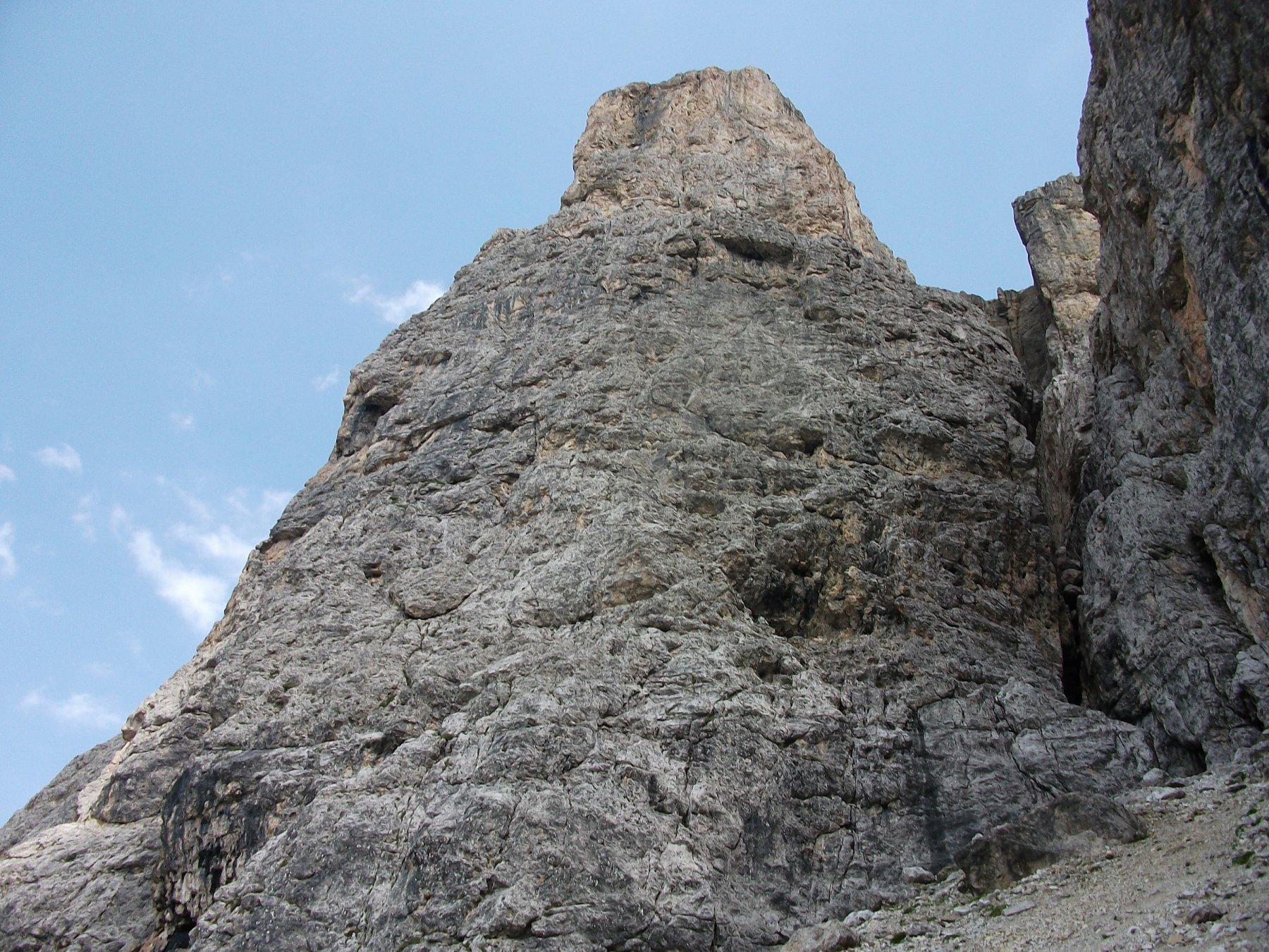 La parete O della III Torre di Sella