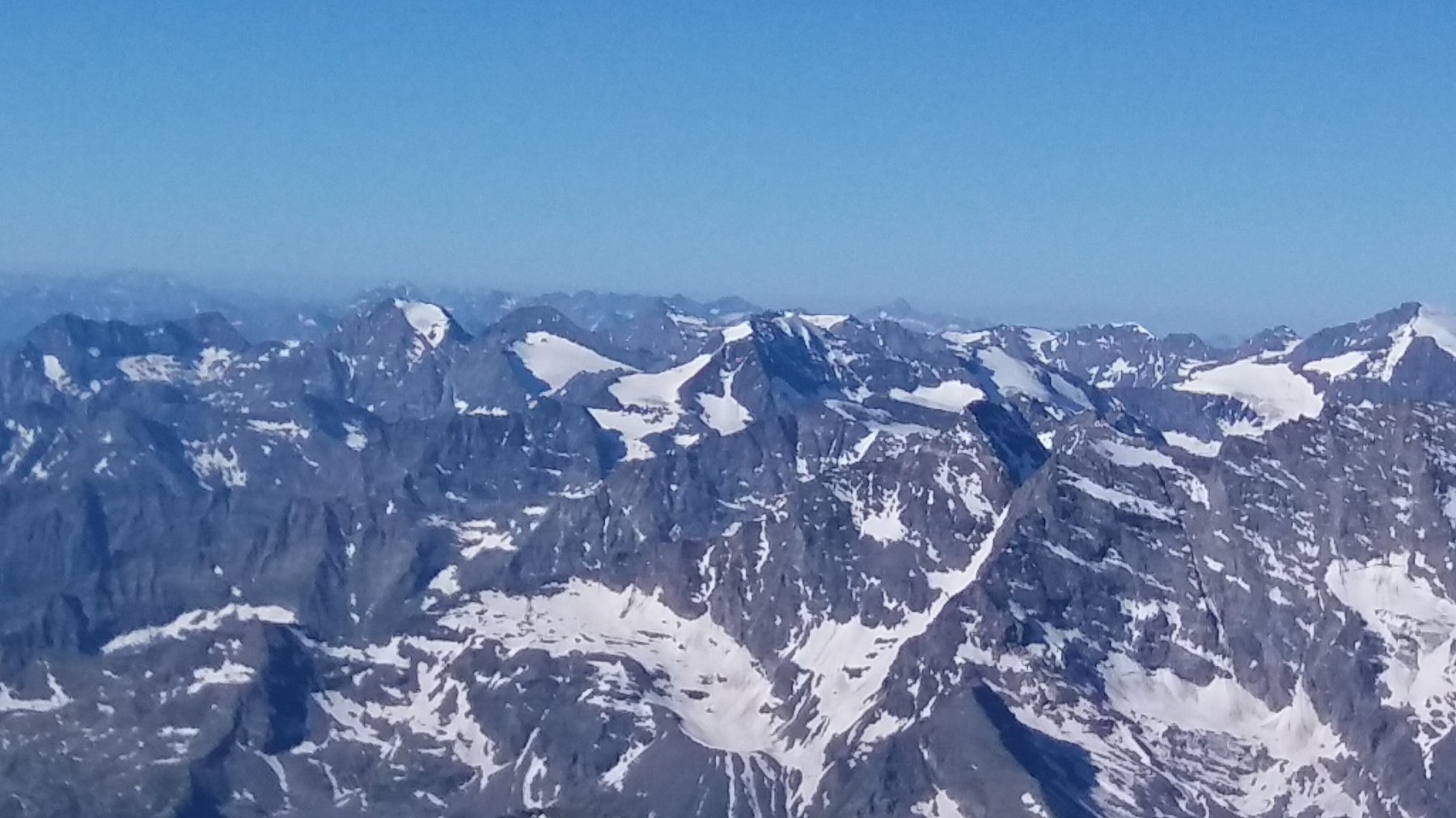 Verso le valli di Lanzo: Croce Rossa, punta d'Arnas e Ciamarella a centro foto