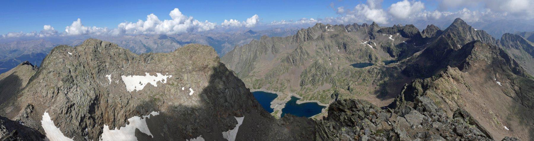 Panoramica dalla cima del Corborant