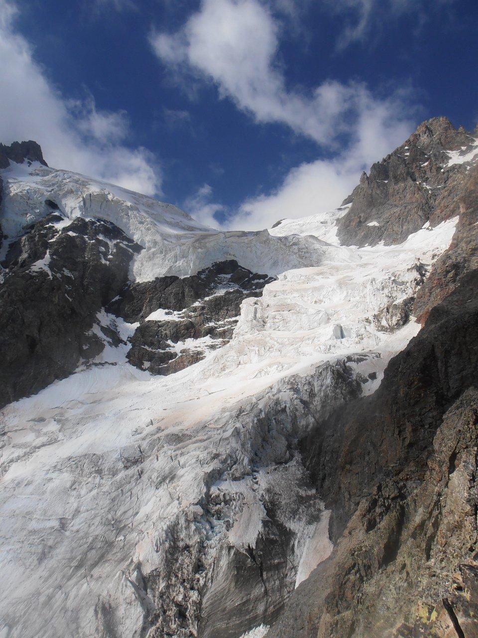 02 - le imponenti seraccate del Glacier des Violettes